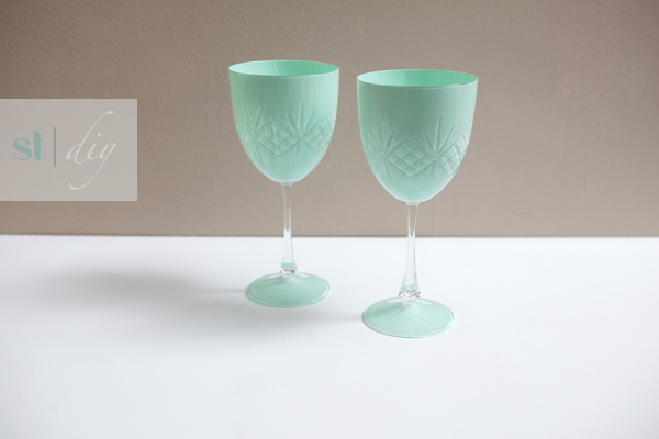 Diy painted mason jars tutorial for Diy painted wine glasses