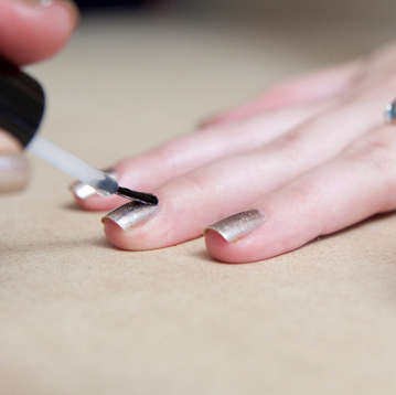 stepstep tutorial on how to diy the perfect manicure