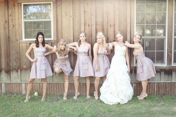 bridesmaids the movie pose
