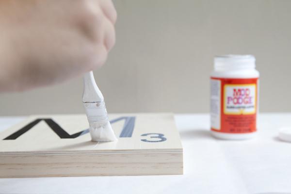 how to make giant scrabble tiles