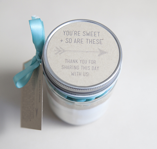 ST_DIY_Mason_Jar_Cookie_Mix_Gift15.jpg