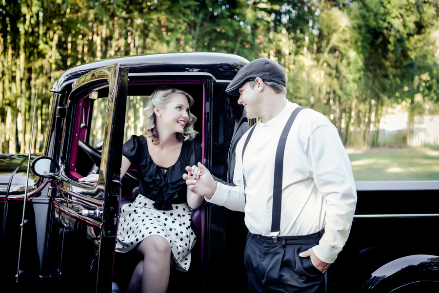 ST_Collette_Mruk_Photography_retro_engagement_1