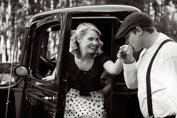 ST_Collette_Mruk_Photography_retro_engagement_3