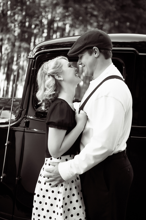 ST_Collette_Mruk_Photography_retro_engagement_4
