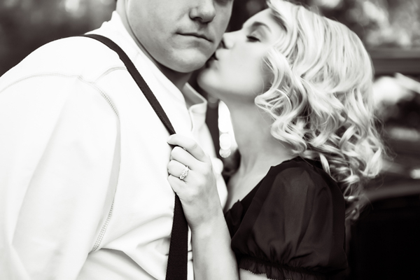 ST_Collette_Mruk_Photography_retro_engagement_8