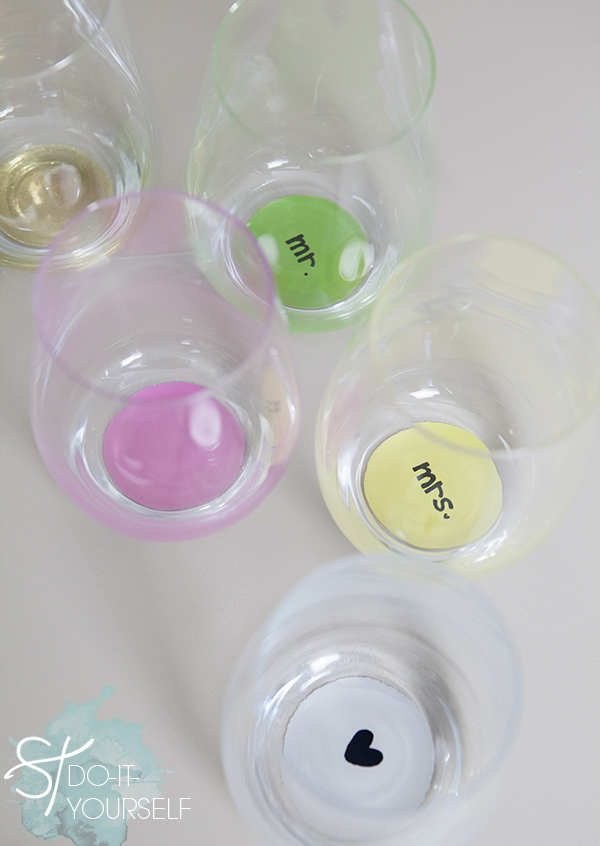ST_DIY_mr_mrs_painted_stemless_wine_glasses_