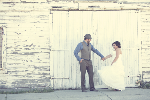 ST_Red_Bloom_Photography_rustic_wedding_4