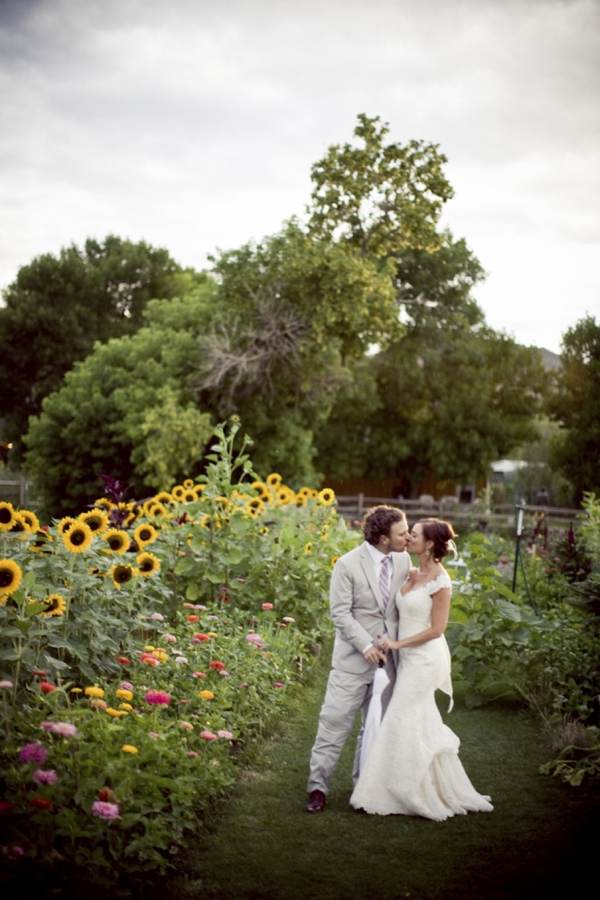 ST_Ashley_Davis_Photography_farm_wedding_0024.jpg