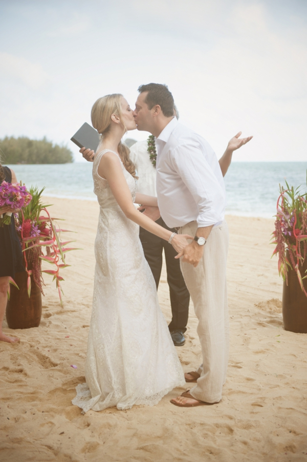ST_Rachel_Robertson_Photography_destination_hawaii_wedding_0013.jpg