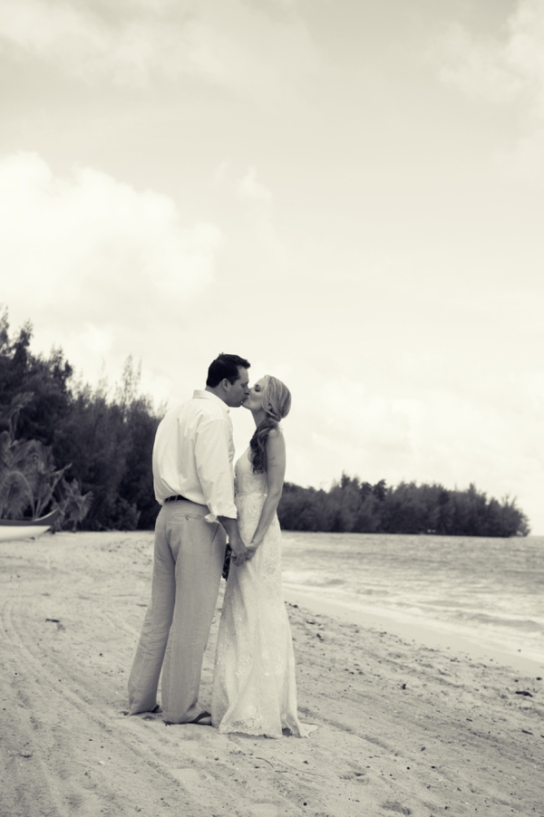 ST_Rachel_Robertson_Photography_destination_hawaii_wedding_0018.jpg