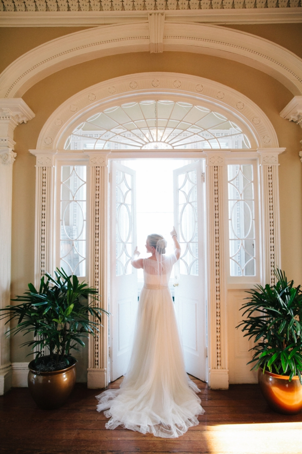 ST_Riverland_Studios_classic_wedding_0008.jpg