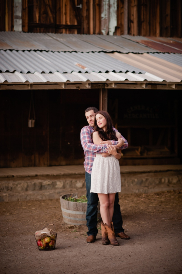 ST_Marcella_Treybig_Photography_orchard_engagement_0014.jpg