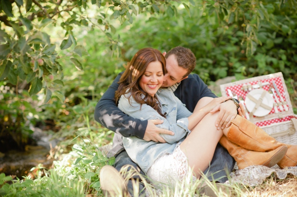 ST_Marcella_Treybig_Photography_orchard_engagement_0018.jpg