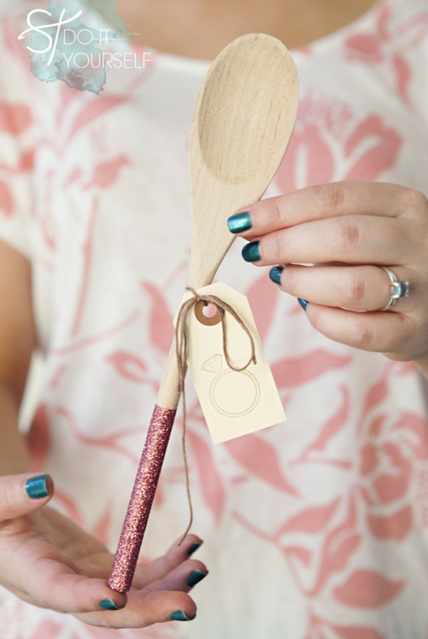 Learn how to make glittered wooden spoon gifts!