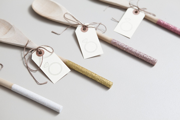 ST_DIY_glam_glittered_wooden_spoon_wedding_favors_0009.jpg