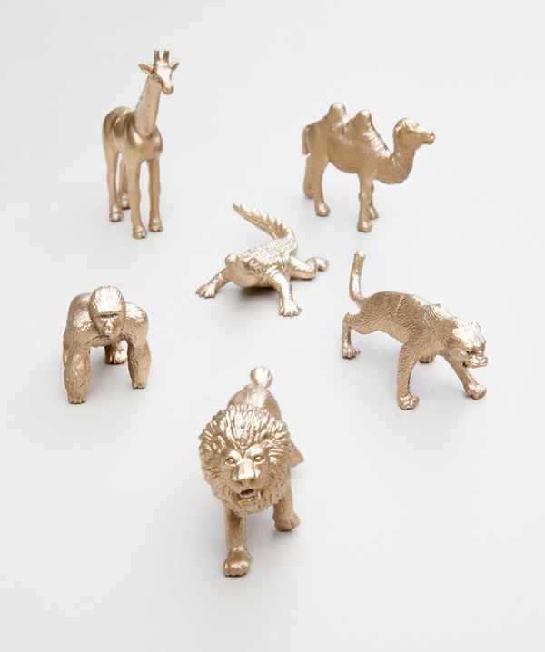 ST_DIY_gold_animal_escort_card_favors_0009.jpg