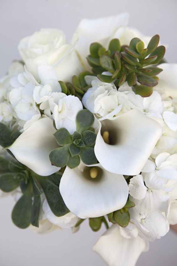 ST_Bouquet_Blueprint_white_flowers_green_succulents_0002.jpg