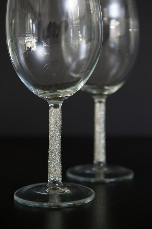ST_DIY_glittered_wine_champagne_glasses_0013.jpg