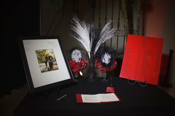 ST_Carrie_Wildes_Photography_halloween_wedding_0031.jpg