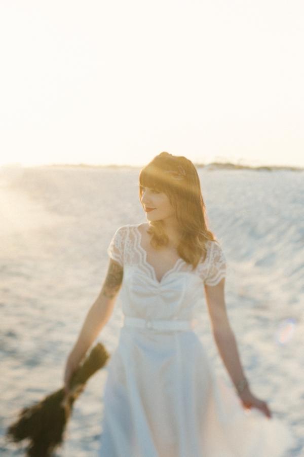 ST-lavender-and-light-bridal-portrait-inspiration-beach-romance_0009.jpg