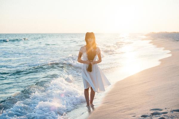 ST-lavender-and-light-bridal-portrait-inspiration-beach-romance_0012.jpg