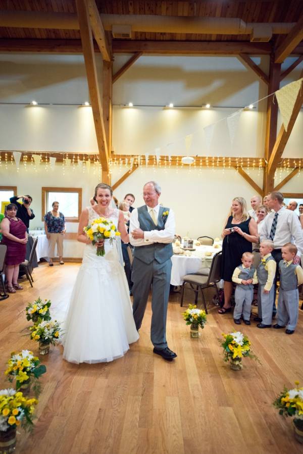 ST_Chelsea_Brown_photography_diy_barn_wedding_0028.jpg