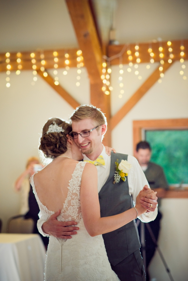 ST_Chelsea_Brown_photography_diy_barn_wedding_0047.jpg
