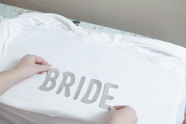 ST_DIY_iron_on_bride_robe_bridal_party_robes_diy_bride_0012.jpg