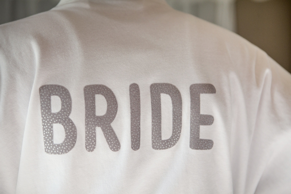 ST_DIY_iron_on_bride_robe_bridal_party_robes_diy_bride_0015.jpg