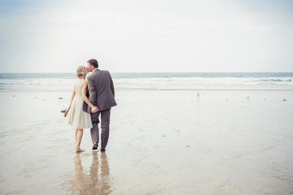 ST_uk-wedding-photography-charlene-morton-photography-beach-elopement_0001.jpg