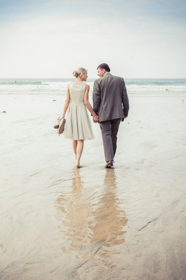 ST_uk-wedding-photography-charlene-morton-photography-beach-elopement_0013.jpg