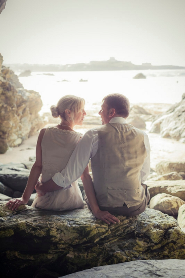 ST_uk-wedding-photography-charlene-morton-photography-beach-elopement_0020.jpg