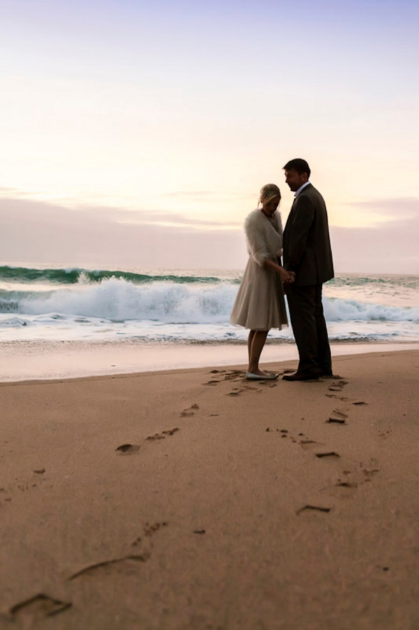 ST_uk-wedding-photography-charlene-morton-photography-beach-elopement_0027.jpg