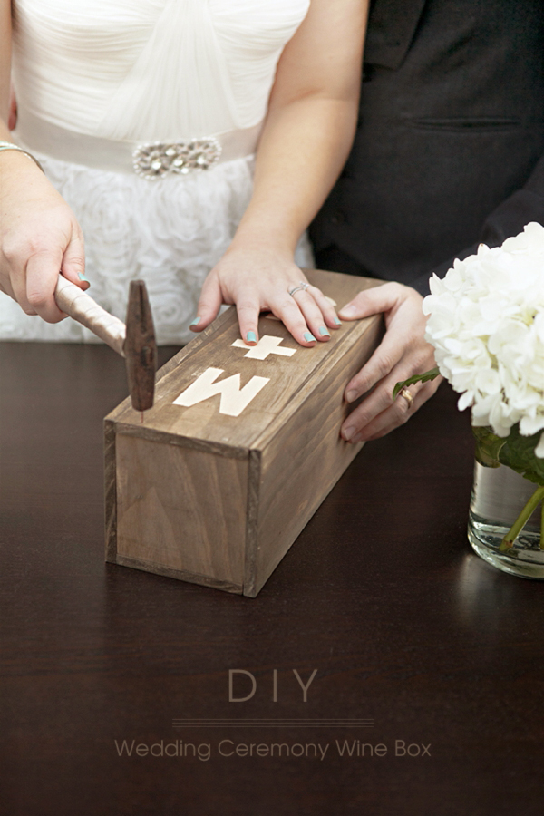SomethingTurquoise_DIY_wedding_ceremony_wine_box_0001