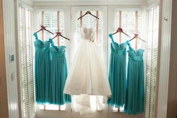 SomethingTurquoise_turquoise_vinyard_wedding_TamaraPizzeckPhotography_0002.jpg