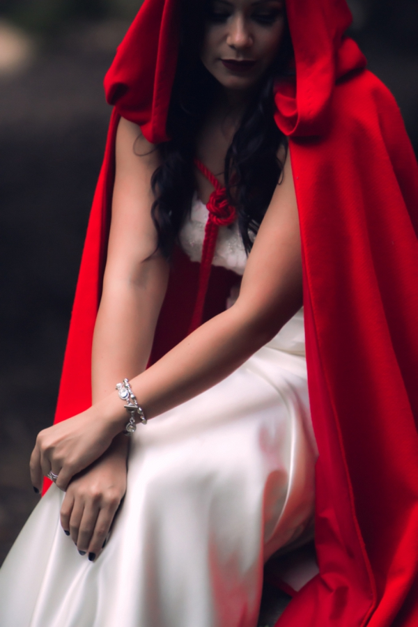 SomethingTurquoise-Red-Riding-Hood-Noir-Nerinna-Studios_0002.jpg