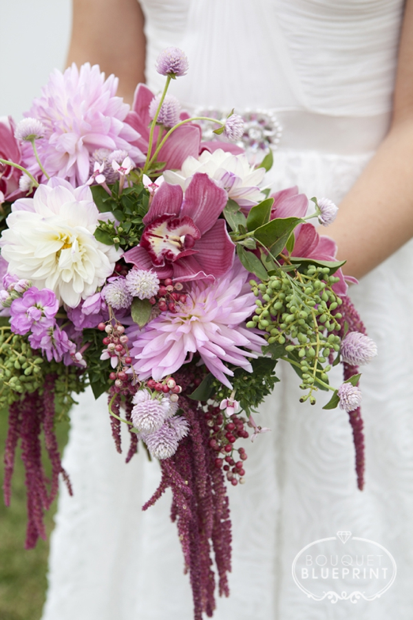 How to make a wild flower, crescent shaped wedding bouquet!