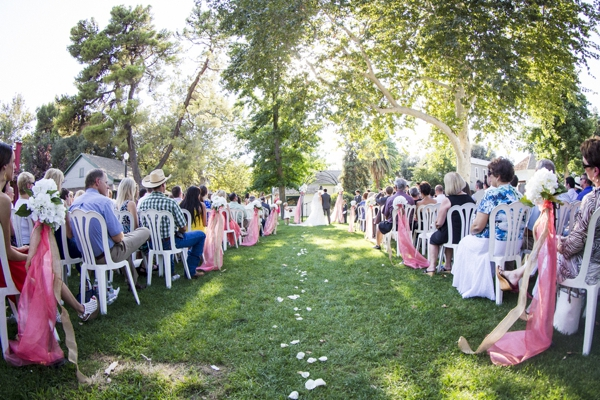 SomethingTurquoise_DIY_Wedding_Ashley_dePencier_Photography_0012.jpg