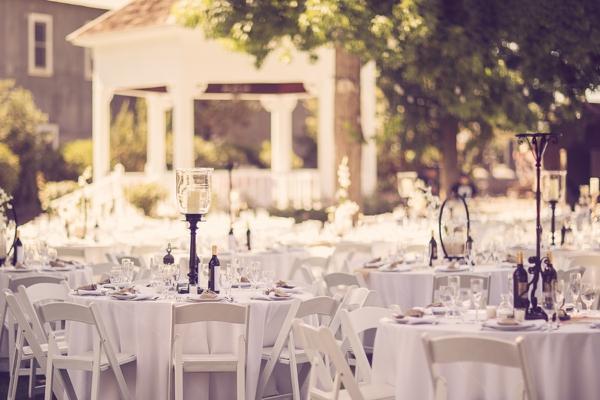 SomethingTurquoise_DIY_Wedding_Ashley_dePencier_Photography_0035.jpg