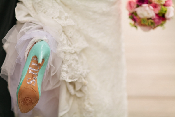 SomethingTurquoise_DIY_beach_wedding_Jennefer_Wilson_0006.jpg