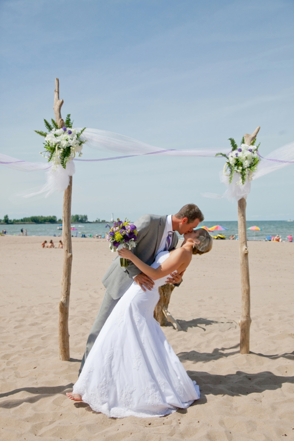 SomethingTurquoise_DIY_beach_wedding_Kristen_Nicole_Photography_0015.jpg