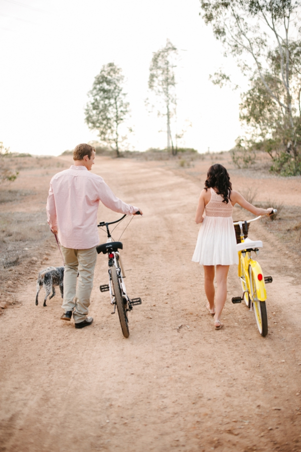SomethingTurquoise_DIY_engagement_Walking_Eagle_Photography_0006.jpg