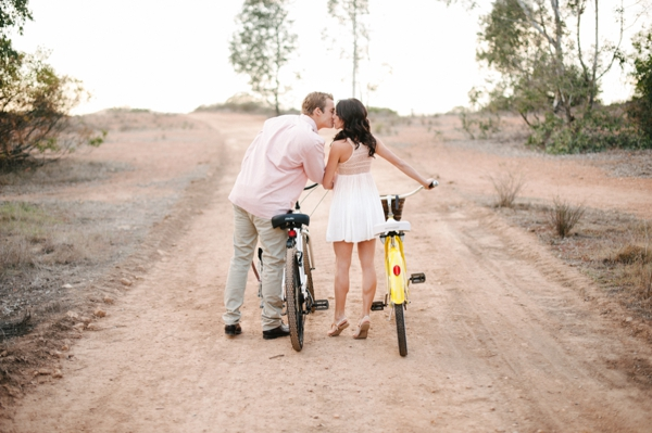 SomethingTurquoise_DIY_engagement_Walking_Eagle_Photography_0007.jpg