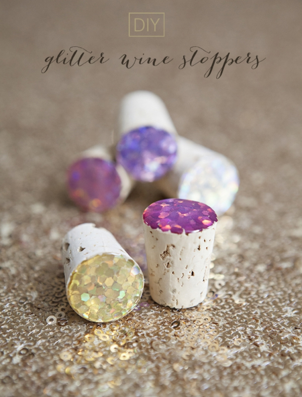 SomethingTurquoise_DIY_glitter_wine_stop