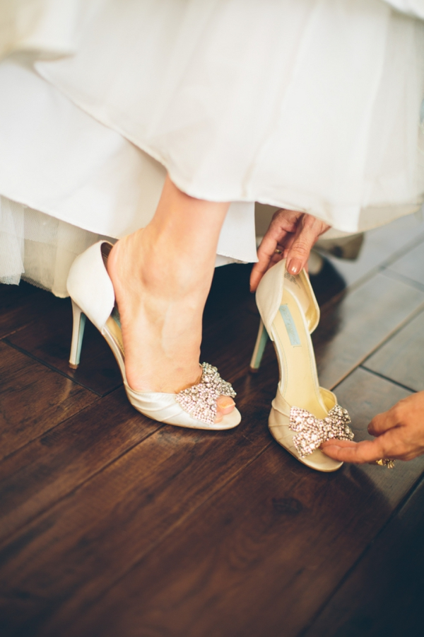 SomethingTurquoise_stunning_DIY_wedding_Aga_Jones_Photography_0005.jpg