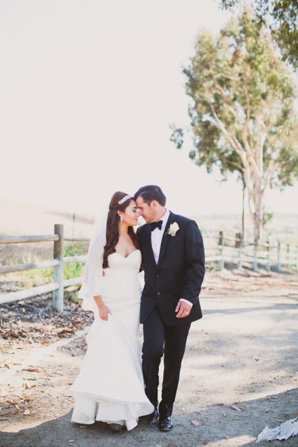 SomethingTurquoise_stunning_DIY_wedding_Aga_Jones_Photography_0020.jpg