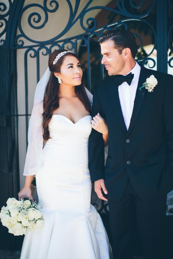 SomethingTurquoise_stunning_DIY_wedding_Aga_Jones_Photography_0021.jpg