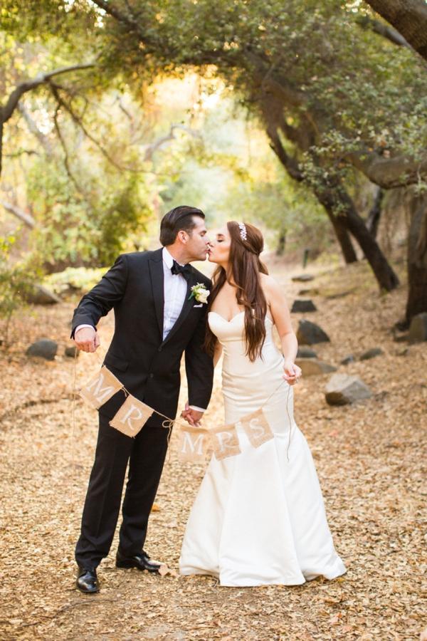 SomethingTurquoise_stunning_DIY_wedding_Aga_Jones_Photography_0023.jpg
