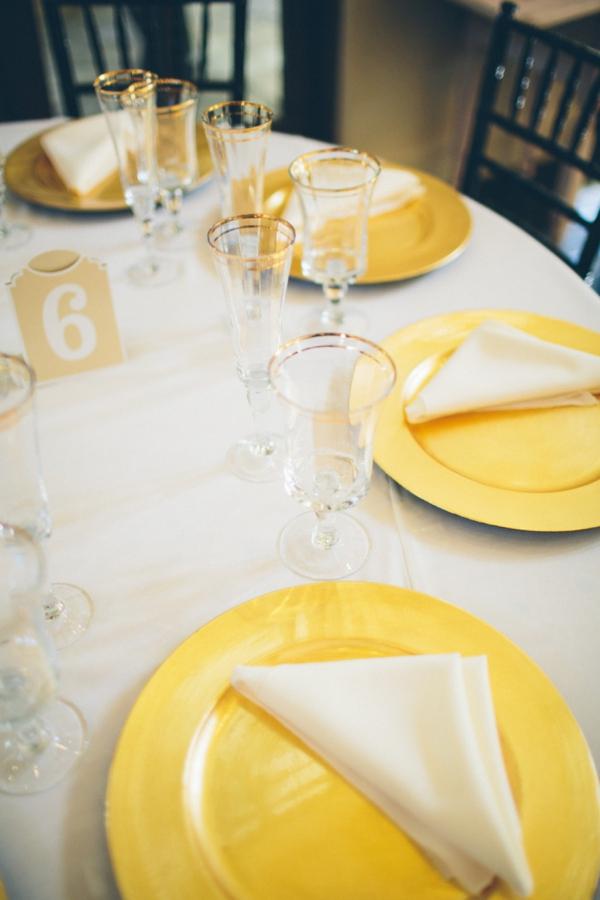 SomethingTurquoise_stunning_DIY_wedding_Aga_Jones_Photography_0037.jpg