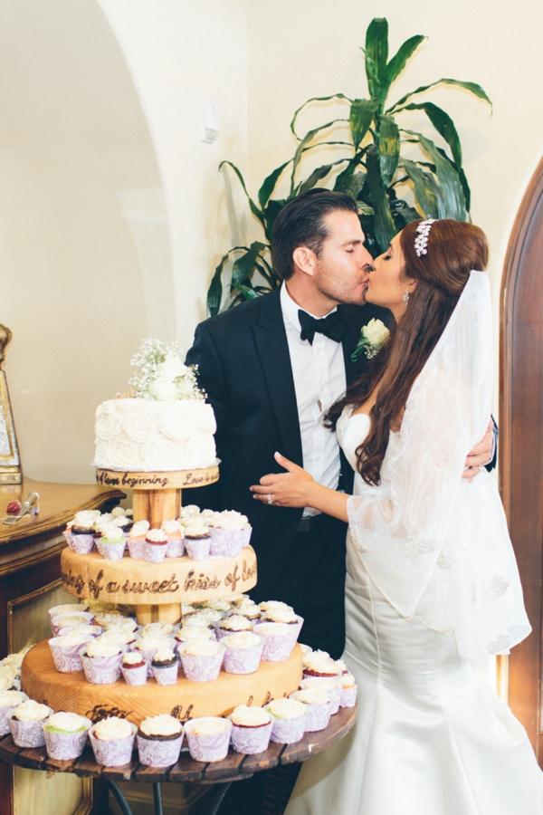SomethingTurquoise_stunning_DIY_wedding_Aga_Jones_Photography_0044.jpg
